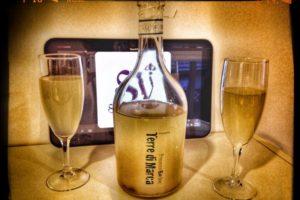 Pouring a Turbid Wine: Terre di Marca Frizzante by Corvezzo